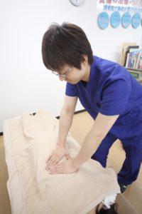 東海市名和接骨院の腰痛・ぎっくり腰の施術写真